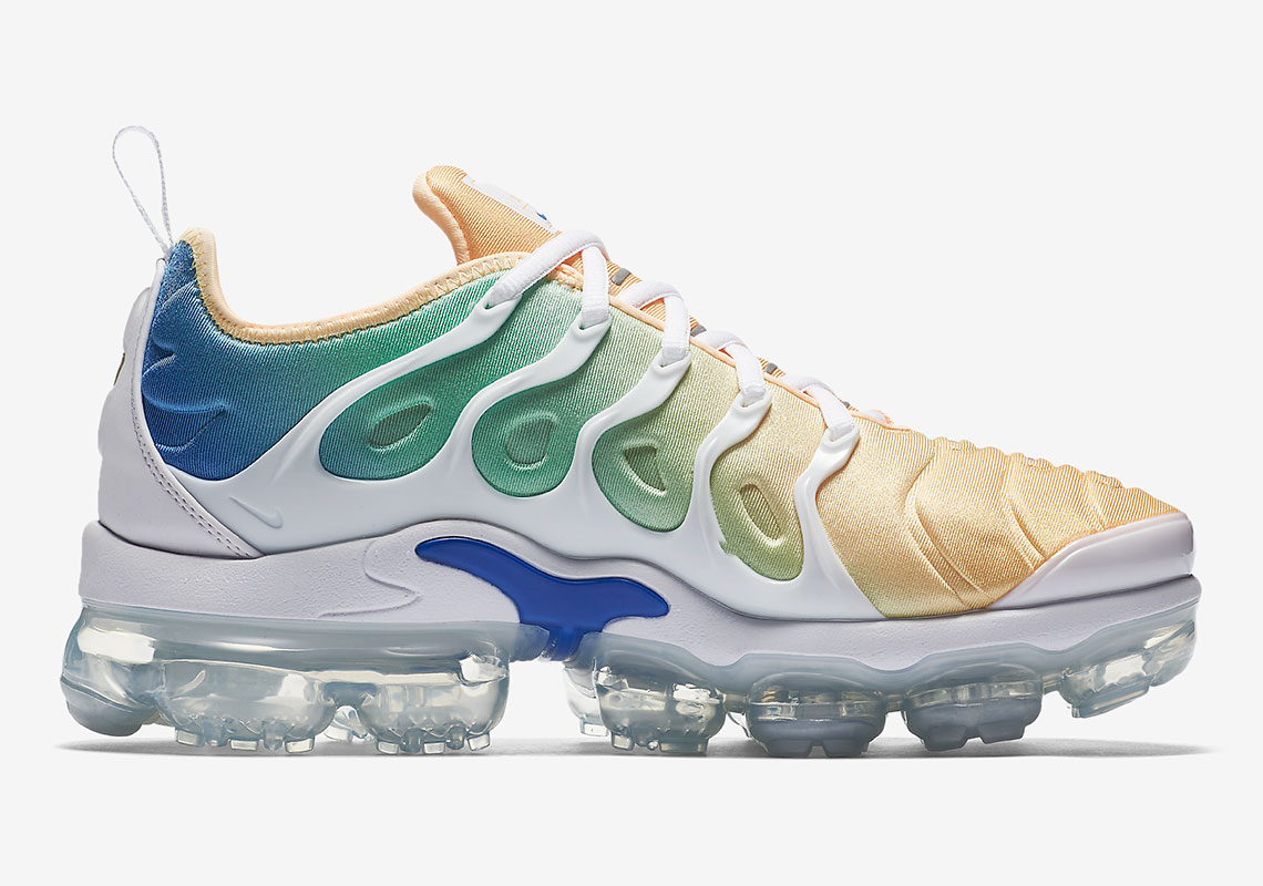 "size 40 3d59d fbc2b The new Nike Air VaporMax Plus hybrid model comes to us in another women s  exclusive colorway. The ""Light Menta"" edition features a mix of a Total  Crimson, ..."