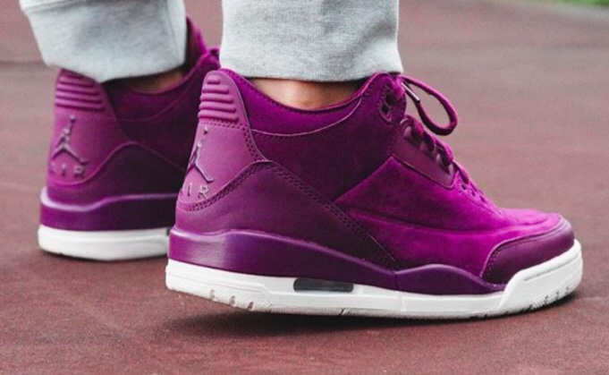 12d1b83ad89 Jordan Brand is getting CHX ready for fall fashion with a new women's  exclusive. If you recall, earlier this year CHX got an Air Jordan 3  exclusive ' ...